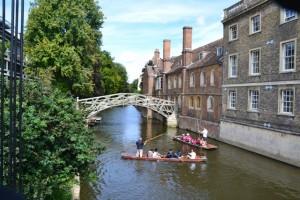 Mathematical bridge a řeka Cam