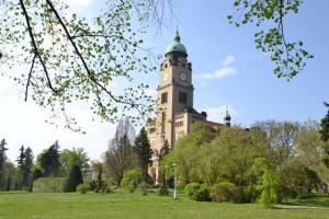 kostel svatého Václava je v areálu a je zvláštní a zde moje procházka končí