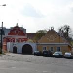 Do Bohnic a na hřbitov