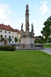 Mariánský sloup ve Valticích na náměstí