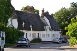 domky s doškovými střechami - Grantchester