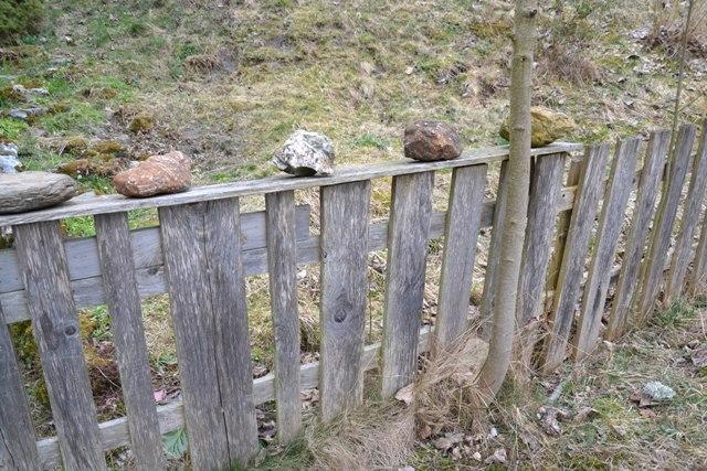 plot u farmy