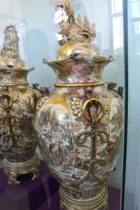 japonské kameninové vázy