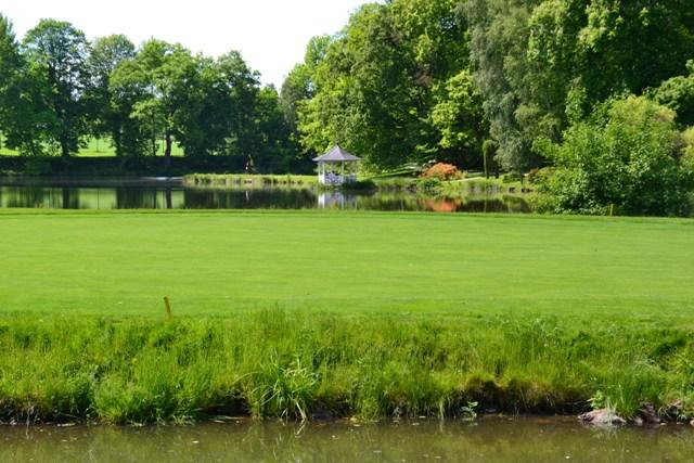 anglický park - golfové hřiště ve Štiříně